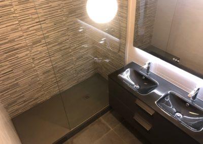 Salle de bain transformée en salle de douche à Versailles